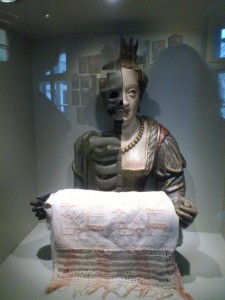 Statue, Folk Museum